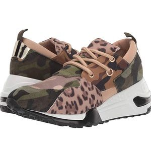 Steve Madden Cliff Khaki olive sneakers size 6